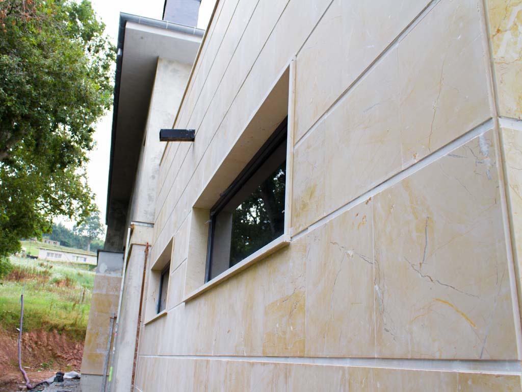 Acabado de fachada cerámica en chalet