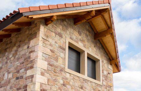 Construcción casa de piedra
