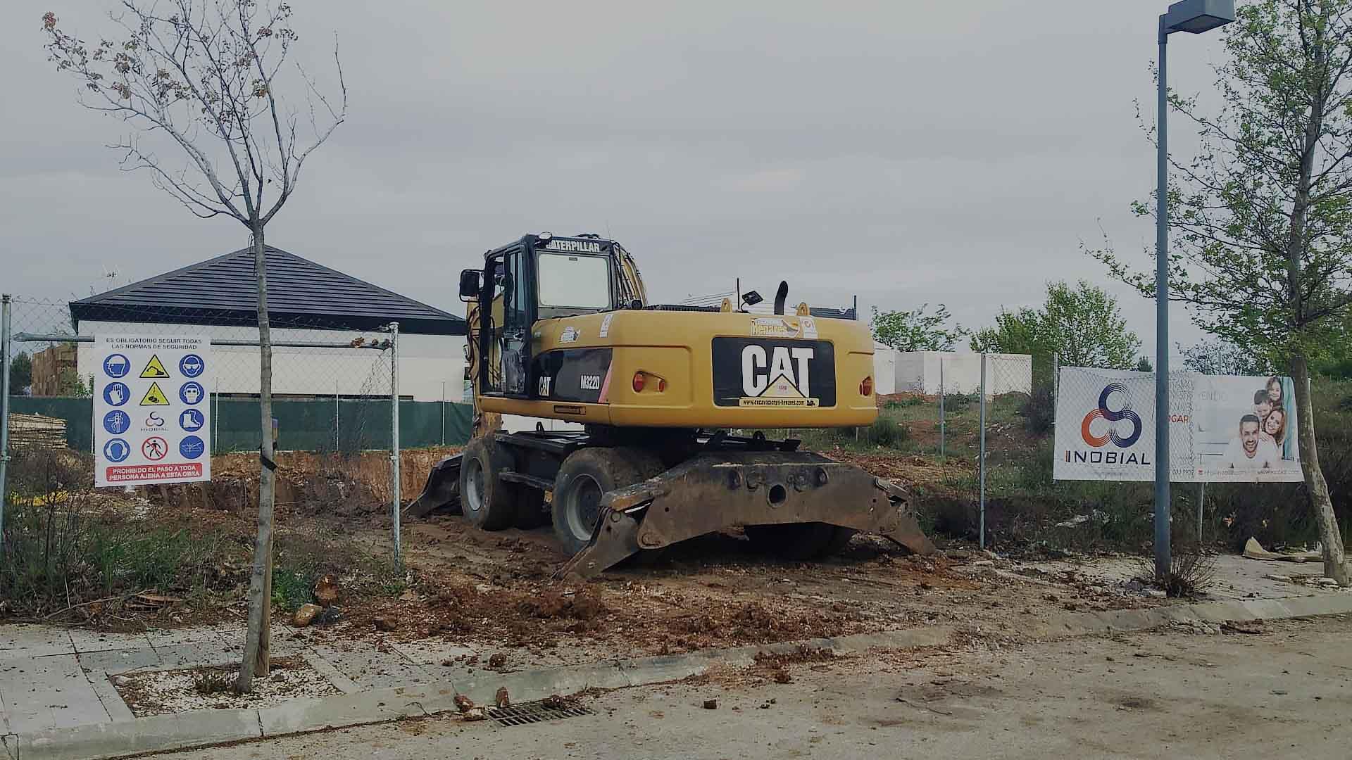 banner excavadora construccion casa